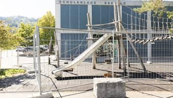 Abgesperrter Spielplatz Seefeld in Spreitenbach