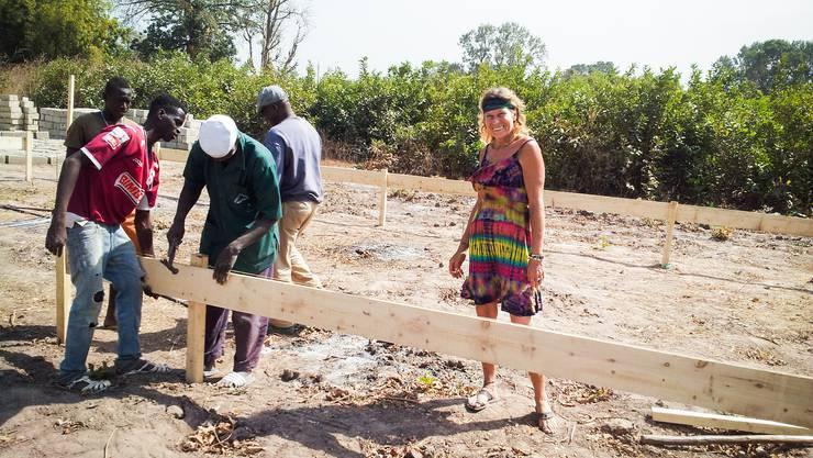 Marielle Furter auf der Baustelle ihres Kindergartens