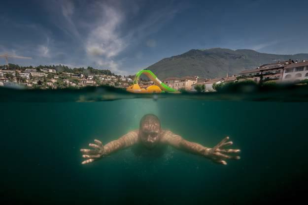 Abtauchen im Lago Maggiore.