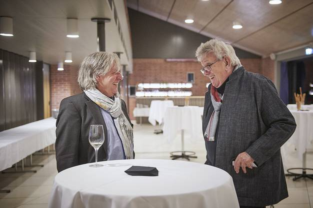 Kunstpreisträger Stefan Sieboth (rechts) mit Thomas Woodtli, Präsident Fachkommission Bildende Kunst und Architektur.