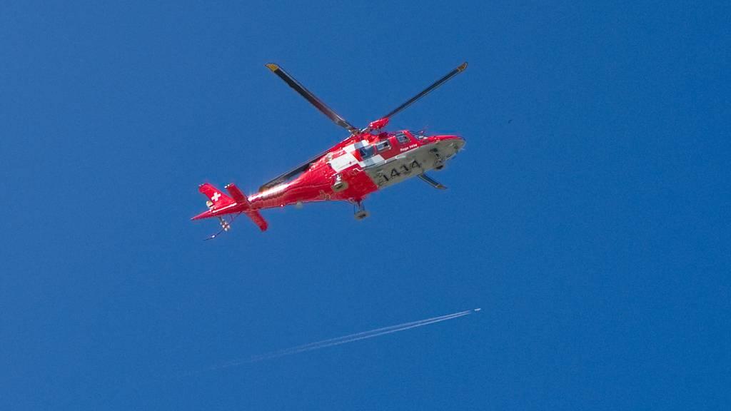 Arbeiter musste nach Unfall ins Spital geflogen werden.