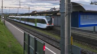 Mann gerät im Thurgau unter Zug. (Symbolbild)