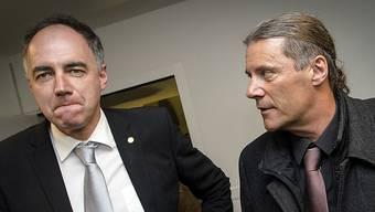 Eine geordnete Amtsübergabe zwischen Christophe Darbellay (l.) und Oskar Freysinger fand trotz mehrfachen Anrufen nicht statt. (Archiv)