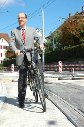 VBZ Direktor Guido Schoch unternimmt eine Testfahrt auf dem Velo