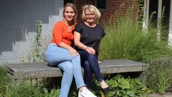 Sandra Sieber (links) und Corinne Maier (rechts) vom Verein Cosmos. (Bild: igu)