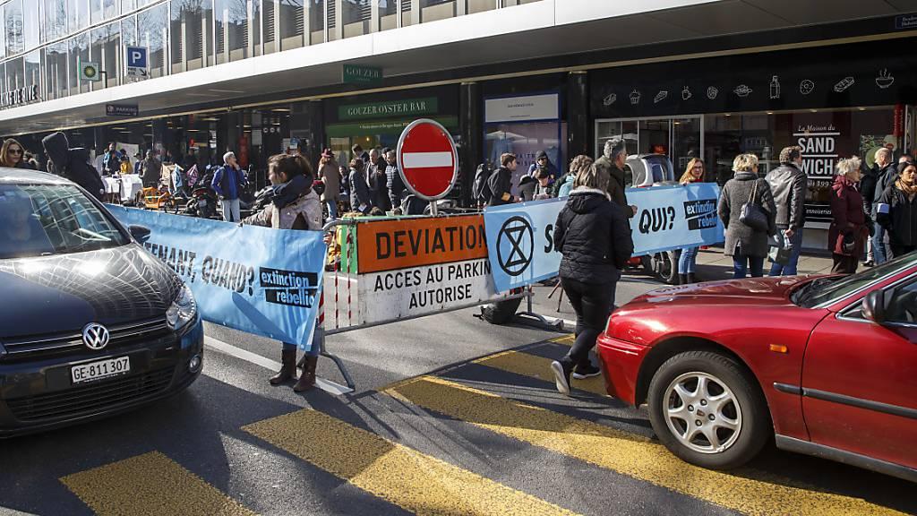 Extinction Rebellion blockiert vorübergehend Genfer Parkhaus