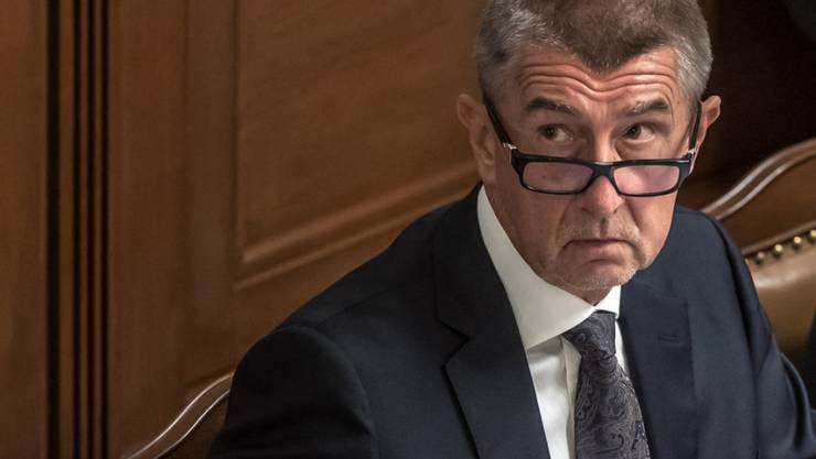 Fast neun Monate nach den Wahlen hat der tschechische Ministerpräsident Andrej Babis am Donnerstagmorgen die obligatorische Vertrauensfrage überstanden.