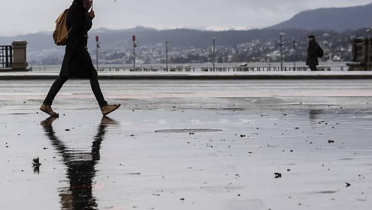 Die Eisheiligen bringen kühleres und nasses Wetter. (Symbolbild)