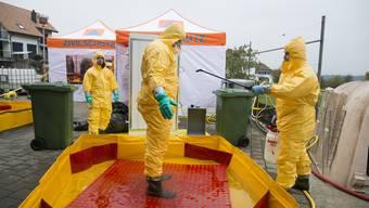 Der Zivilschutz übt den Einsatz bei einem Ausbruch einer Tierseuche. (Archiv: Lohn-Ammannsegg, 20. November 2019)