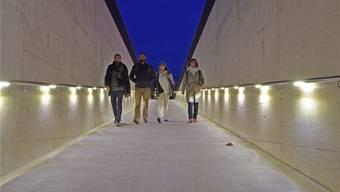 Die Personenunterführung West ermöglicht es den Zugreisenden, direkt vom Mittelperron (Gleis 2/3) des Wohler Bahnhofs zum künftigen Bushof zu gelangen. Fotos: Johanna Lippuner