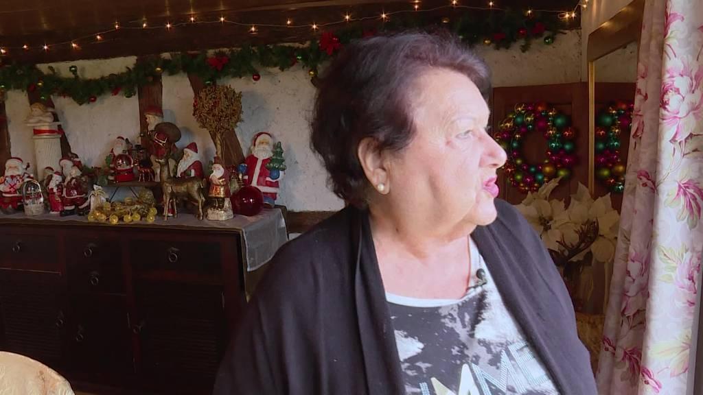 In Lisbeths Dihei wachen die Weihnachtsengeli über das WC