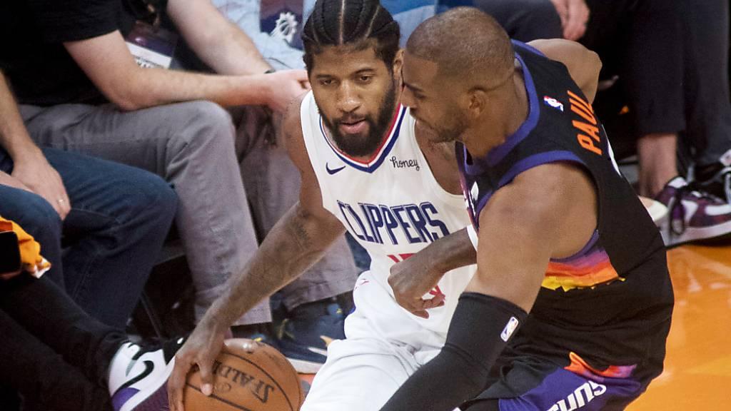 Paul George (links) lässt die Hoffnungen der Los Angeles Clippers auf die Teilnahme am NBA-Playoff-Final am Leben