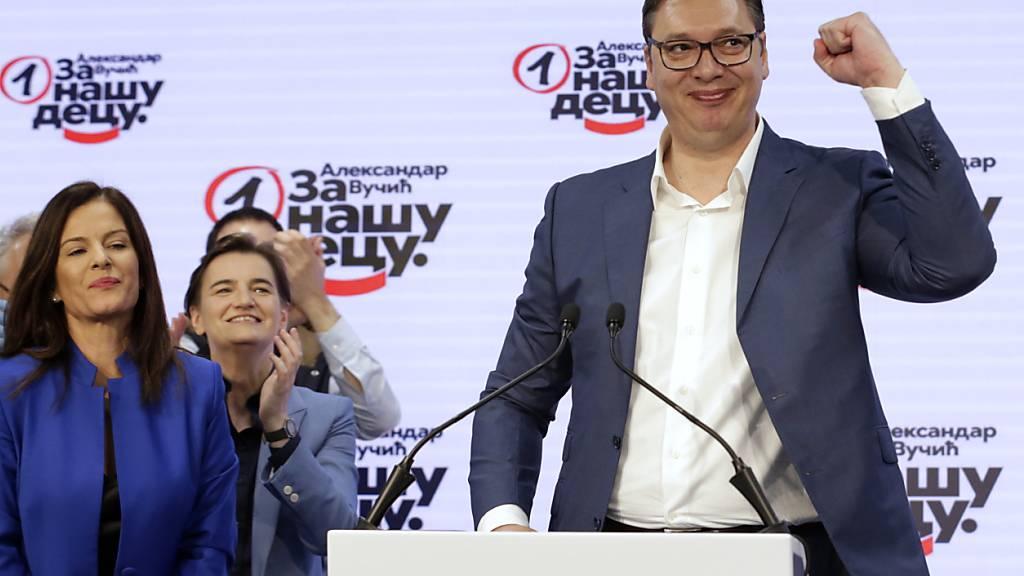 Partei von Präsident Vucic gewinnt Parlamentswahl in Serbien klar
