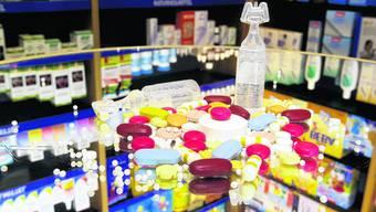 Unübersichtlich: Nicht alle Heilmittel würden gleich behandelt, sagen die Berner Drogisten. (Bild: Hanspeter Bärtschi)