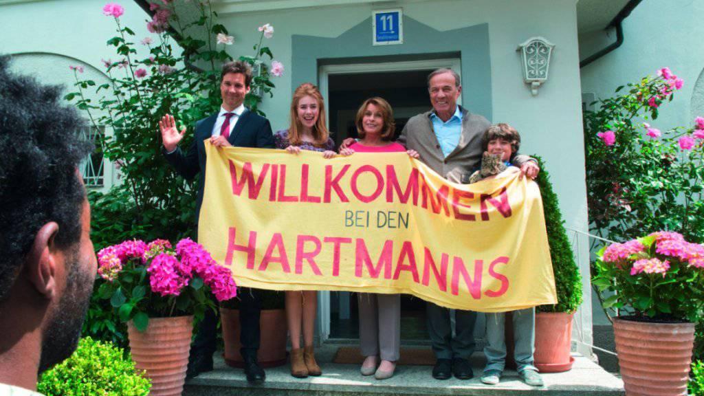 Die Hartmanns begrüssen «ihren» Migranten. Der Film ist zu seinem Start am Wochenende in der Deutschschweiz gut angekommen. Nur «Doctor Strange» registrierte noch mehr Eintritte. (Handout)