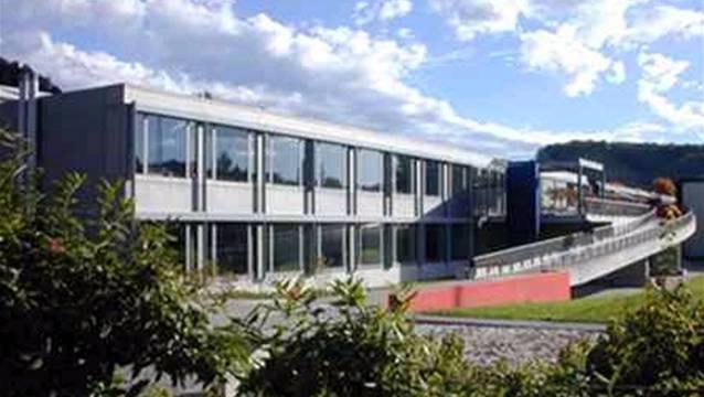 Die Sekundarschulgemeinde Birmensdorf-Aesch muss in ihr Schulhaus investieren, was eine Erhöhung des Steuerfusses um 3 Prozent nötig machte.