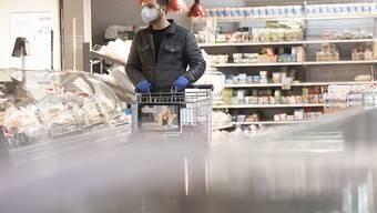 Bis 10 Uhr morgens sollen Lebensmittelläden und Supermärkte älteren Menschen und anderen Angehörigen der Risikogruppe gehören.