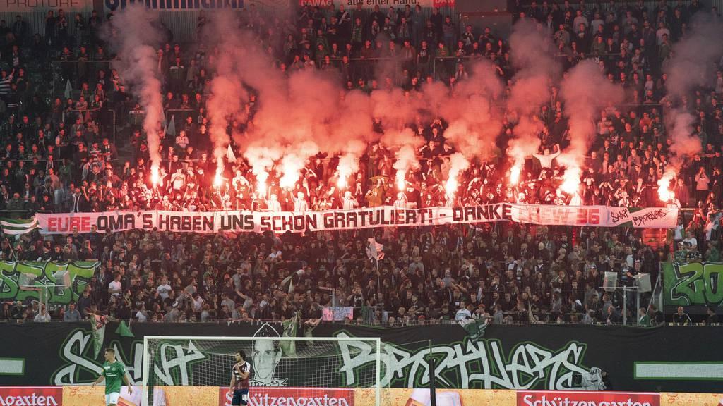 St.Gallen-Fans zünden massiv Pyros