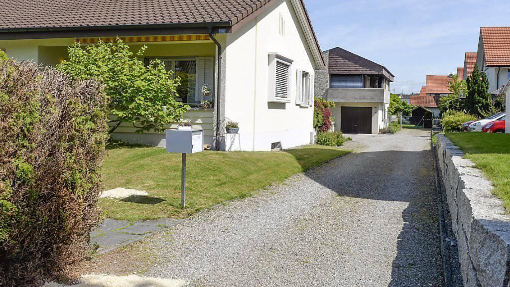In einem ruhigen Wohnquartier in Würenlingen AG erschoss der Täter im Mai 2015 vier Personen und richtete sich danach selbst. Das Strafverfahren wird nun eingestellt. (Archiv)