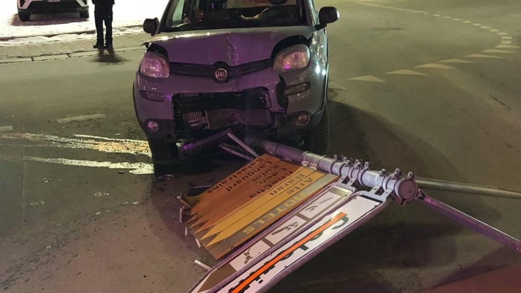 Zu tief ins Glas geschaut und danach die Strassen von St. Moritz unsicher gemacht hat am Samstagabend eine 25-jährige Italienerin.