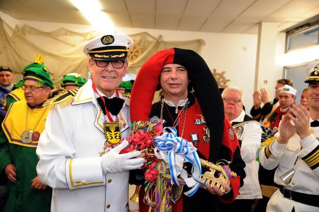Paukenschlag zum Schluss: Graf Ernst von Zinggenstein übergab im Februar 2013 den Schlüssel letztmals an den Obernaaren.