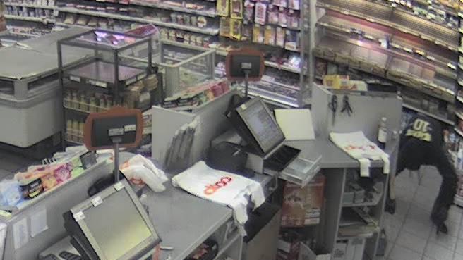 Tankstellenräuber von Rotkreuz haben Überfall inszeniert