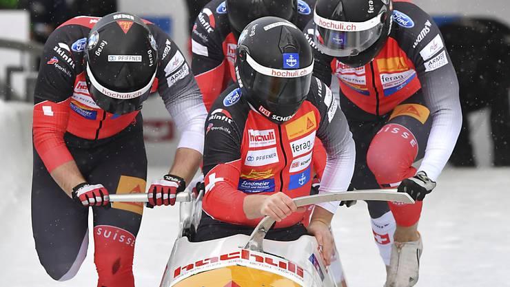 Die Crew um Pilot Rico Peter klassierten sich an der EM in Igls/Innsbruck im 9. Rang
