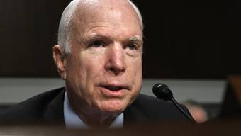 Senator John McCain kann sich nicht für Trumps Gesundheitsreform erwärmen.