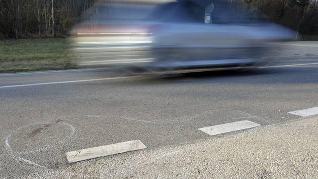 Der Lernfahrer war in einer 80er-Zone mit einer Geschwindigkeit von 140 Stundenkilometern unterwegs (Symbolbild)