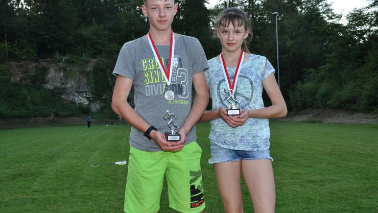 Sarah und Raphael Schürch gewinnen mit 8,05 bzw. 8,10 Sekunden den Schnellsten Walterswiler 2018.