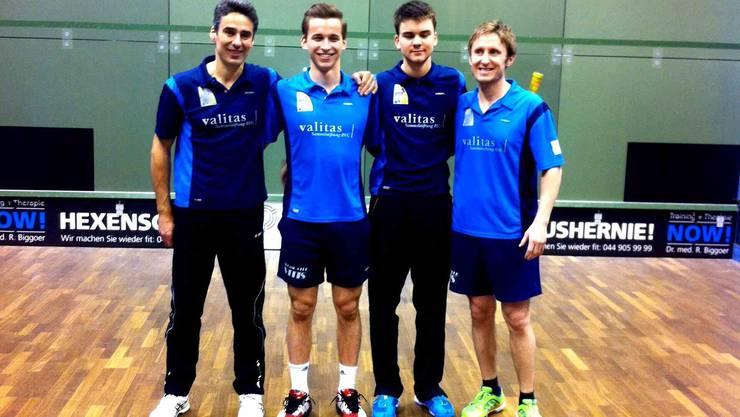 Das Team von Vitis Schlieren mit Spielertrainer John Williams (rechts).