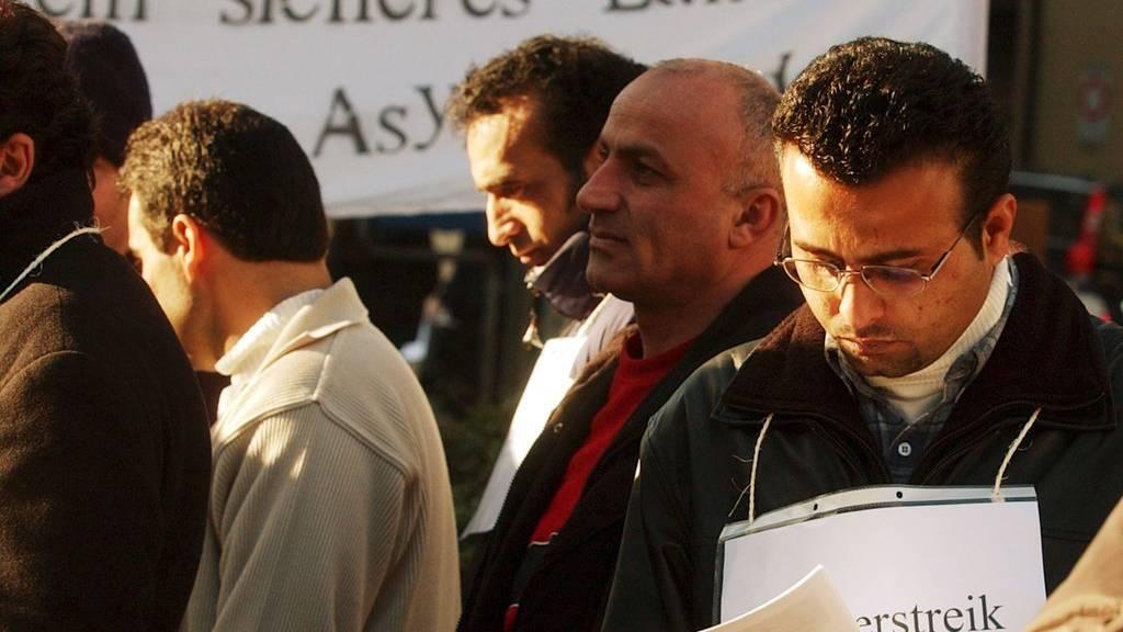 Hungerstreikende Asylsuchende demonstrierten gegen die Schweizer  Ausschaffungspraxsis