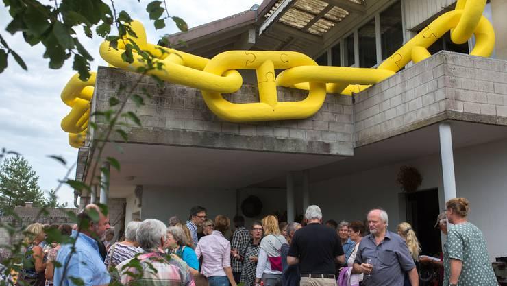 Im Atelier des vor zwei Jahren verstorbenen Künstlers Peter Travaglini in Büren fand die Vernissage des Buches über sein Schaffen statt.