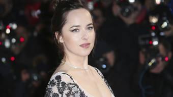 """Dakota Johnson lockte am Wochenende vom 16. bis 19. Februar 2017 am meisten Leute in die Schweizer Kinos. Sie spielt die Hauptrolle im Softpornostreifen """"Fifty Shades Darker"""". (Archiv)"""