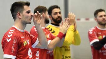 Schlechte Nachrichten vom RTV Basel für Sven Schafroth (im Vordergrund) und seine Teamkollegen des TV Endingen.