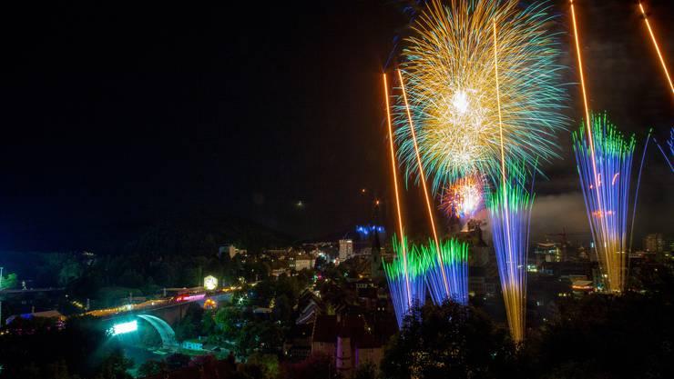 Abschluss-Feuerwerk
