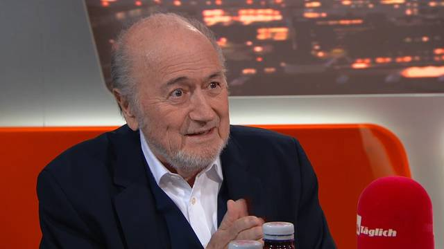 Sepp Blatter bleibt gesperrt!