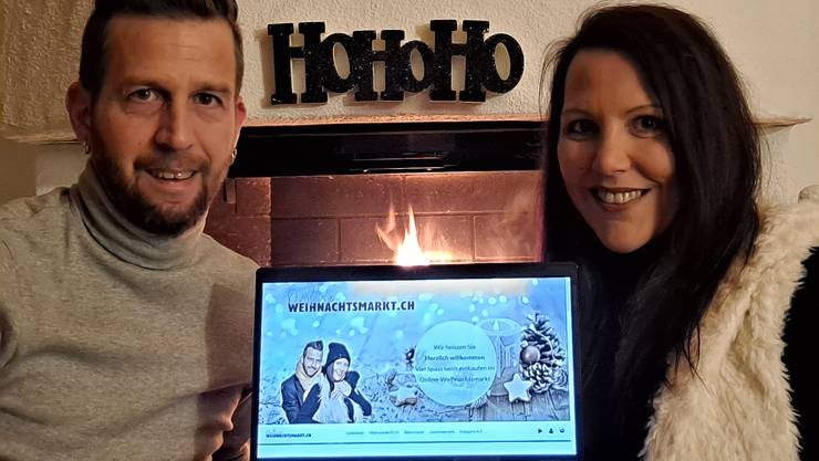 Stefan und Cornelia Märki mit ihrer Weihnachtsmarkt-Onlineplattform.