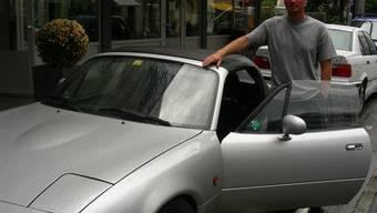 Yves Baumgartner: Trotz gemischten Gefühlen zu seinem Wagen ist er ein stolzer Sportwagenfahrer. (Dieter Minder)