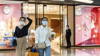 Bezahlen per Smartphone ist in China schon weit verbreitet. Viele Läden nehmen gar kein Bargeld mehr an.