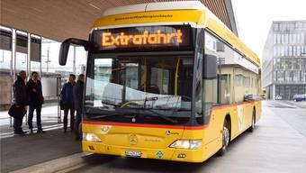 Nach dem Test von Wasserstoff-Bussen in der Region Brugg zog Postauto eine positive Bilanz, im regulären Betrieb werden die Fahrzeuge aber nicht eingesetzt. MHU/Archiv