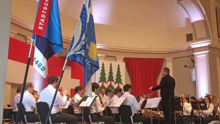 Die Stadtmusik Olten eröffnete ihr 175-Jahre-Jubiläumsjahr mit dem Bankett-Konzert anlässlich der St.-Sebastians-Feier im Oltner Stadttheater. (Foto: Jürg Salvisberg)