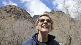 Donald Trump habe nach seiner Wahl die Ermittlungen zu seiner eigenen Wahl behindert, twitterte die Demokratin Elizabeth Warren.