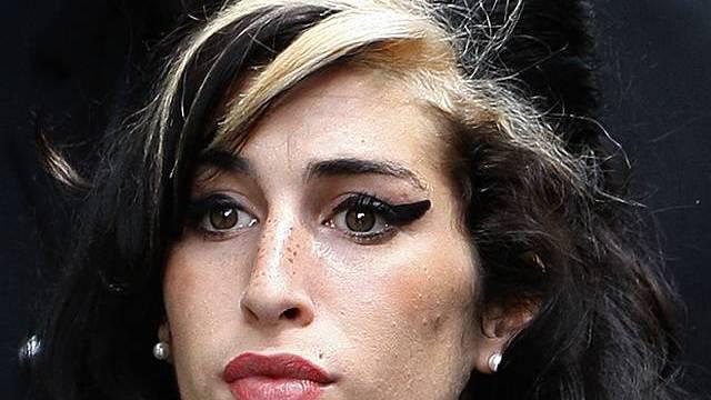 Zeit zum Bummeln in Londoner Warenhaus: Amy Winehouse (Archiv)