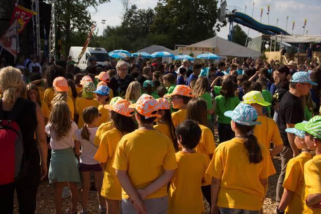 Die Festeröffnung am Freitagabend mit den Schülern im Mittelpunkt.