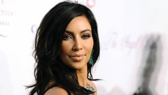 Kim Kardashian an verschiedenen Auftritten