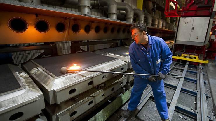 In der Metallindustrie war der Rückgang der Beschäftigung im ersten Quartal besonders stark. Etwa 4000 Stellen gingen laut dem Bundesamt für Statistik innerhalb eines Jahres verloren.