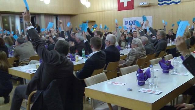 Philipp Müller wurde einstimmig als Ständeratskandidat nominiert. Ziel: Den Sitz von Christine Egerszegi zu verteidigen. Idealfall: Bürgerliches Doppelticket nach Bern. Hindernisse: Hansjörg Knecht und Pascal Bruderer.