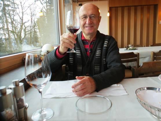 Gratulation zum Geburtstag von der Frau am  3.Januar 2020  Prost. Dies im Restaurant Bienenberg
