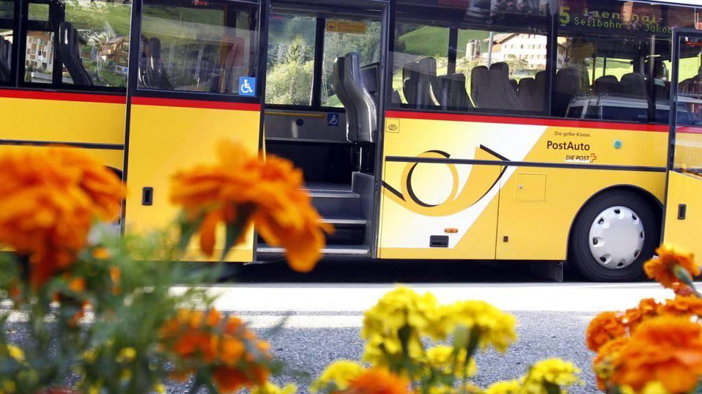 Die Aargauer Regierung fordert nach den Trickserein bei den PostAuto Geld zurück. (Symbolbild)
